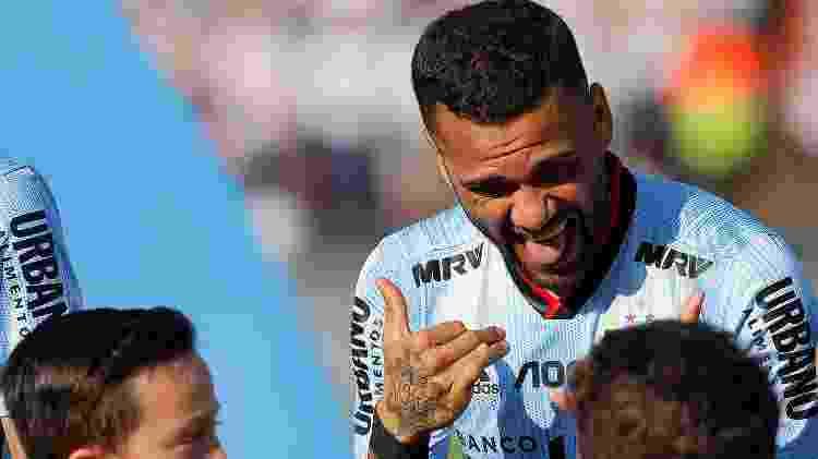"""Dani Alves teve momento """"Good Crazy"""" com crianças antes de estrear pelo São Paulo - Daniel Vorley/AGIF"""