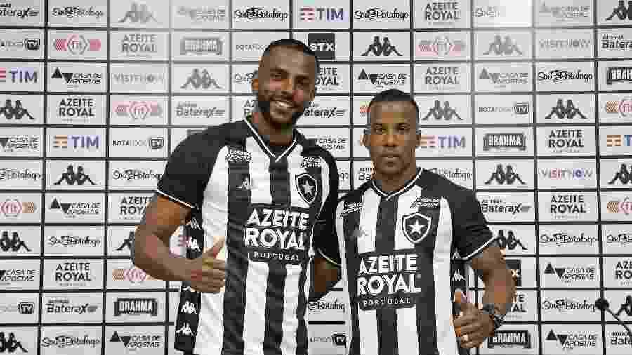 Ruan Renato e Guilherme durante apresentação pelo Botafogo no Estadio Nilton Santos - Vitor Silva/Botafogo