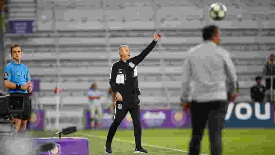 Tiago Nunes orienta jogadores do Corinthians durante jogo da Florida Cup - Rafael Ribeiro/Florida Cup