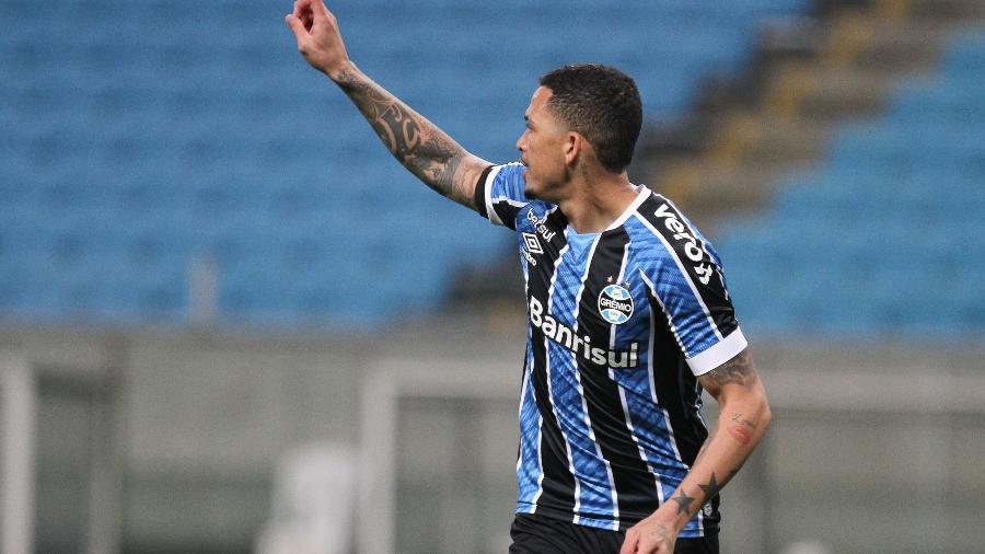Luciano, do Grêmio, durante partida contra Novo Hamburgo pelo campeonato Gaúcho - Everton Silveira/Agência Estado