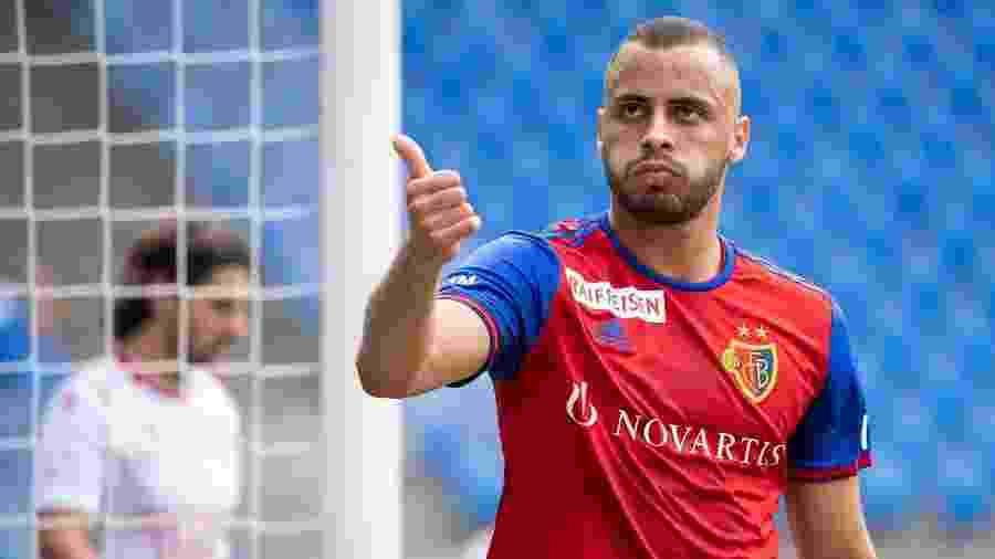 Arthur Cabral, atacante do Basel, da Suíça, tem proposta do Leeds United no mercado da bola - Divulgação