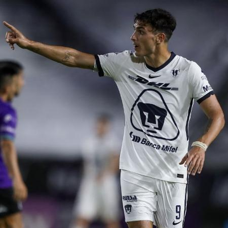 Juan Ignacio Dinenno pode pintar no futebol brasileiro - Sergio Mejia/Getty Images