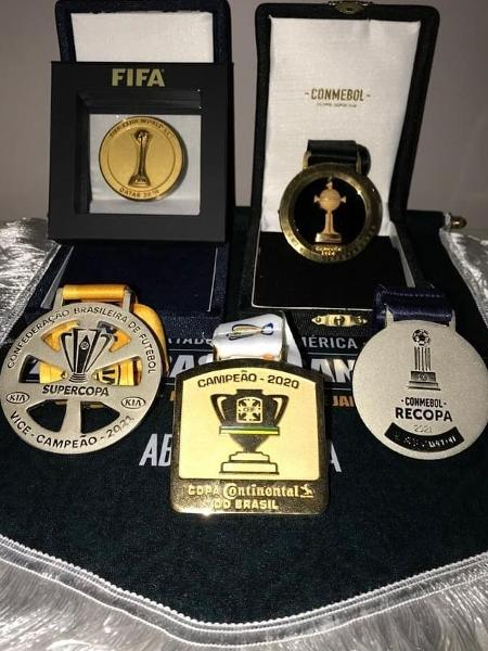Abel Ferreira exibe medalhas conquistadas como técnico do Palmeiras  - Reprodução/Instagram