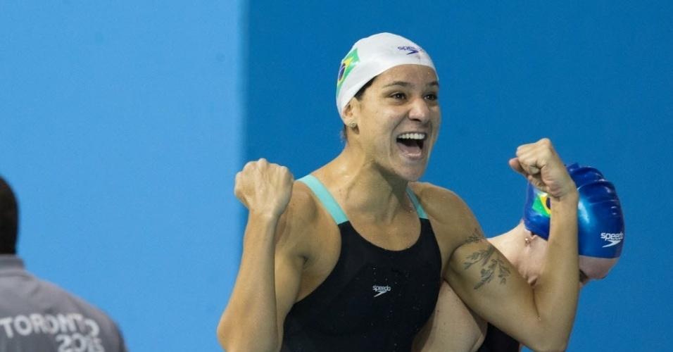 Joanna Maranhão comemora medalha de prata no revezamento 4x200 feminino