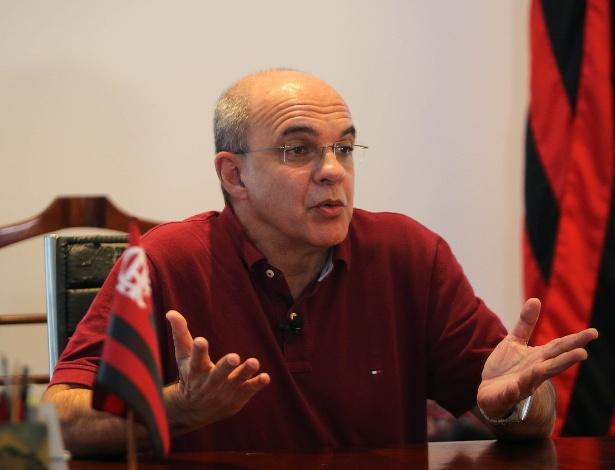 Eduardo Bandeira de Mello vive os últimos momentos no comando do Flamengo
