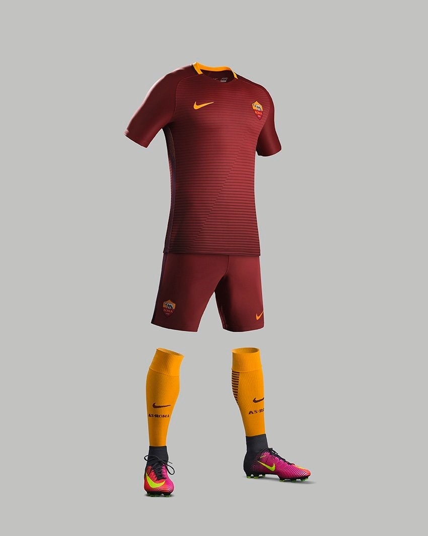 Uniforme da Roma para a temporada de 2016/2017