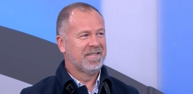 Técnico citou o trabalho de Paulo Bento no Cruzeiro e pediu tempo por resultado