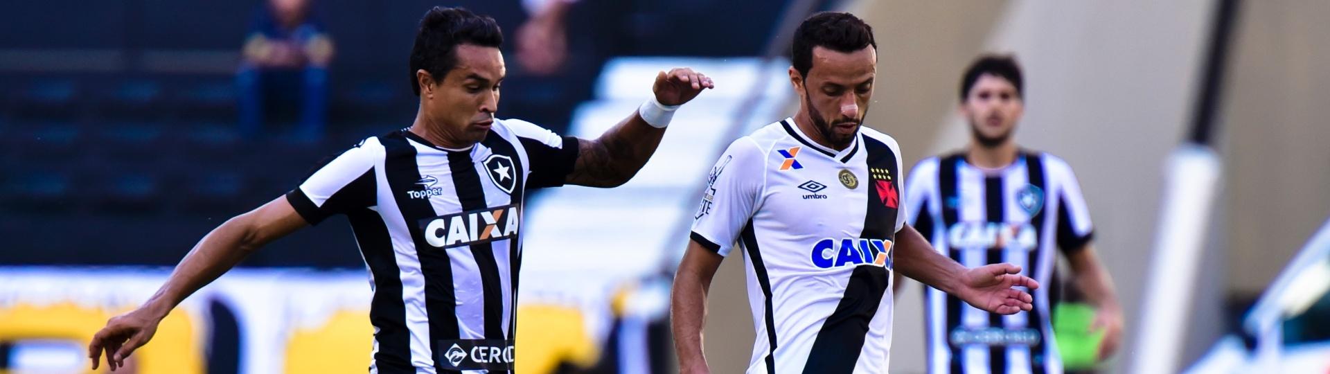 Nenê protege a bola durante o clássico Vasco e Botafogo, na final da Taça Rio