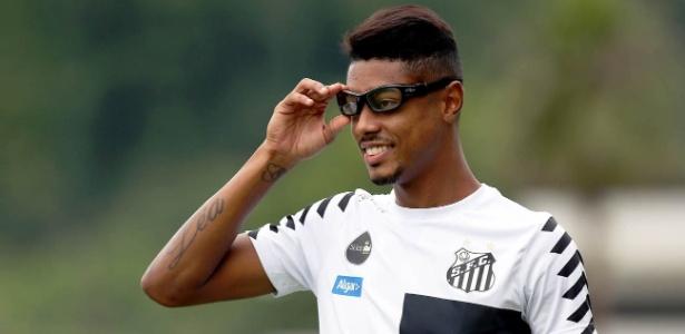 Bruno Henrique avança