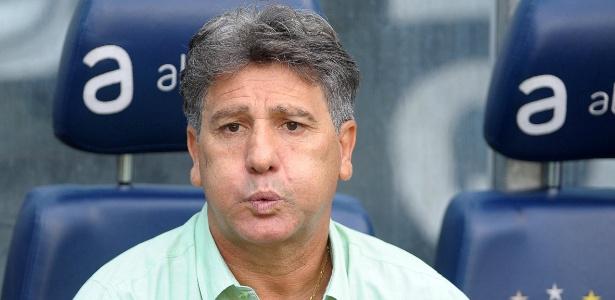 Renato evitou falar do Flamengo, mas disse que pode ter resposta no domingo