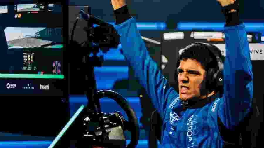 Igor Fraga venceu a competição de automobilismo virtual da McLaren - Divulgação