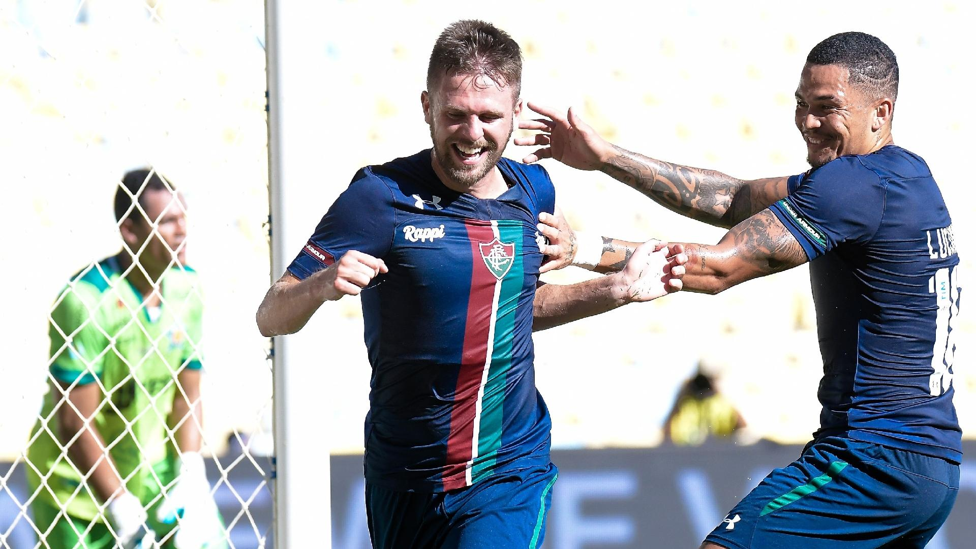 Ezequiel comemora após marcar pelo Fluminense sobre a Portuguesa-RJ