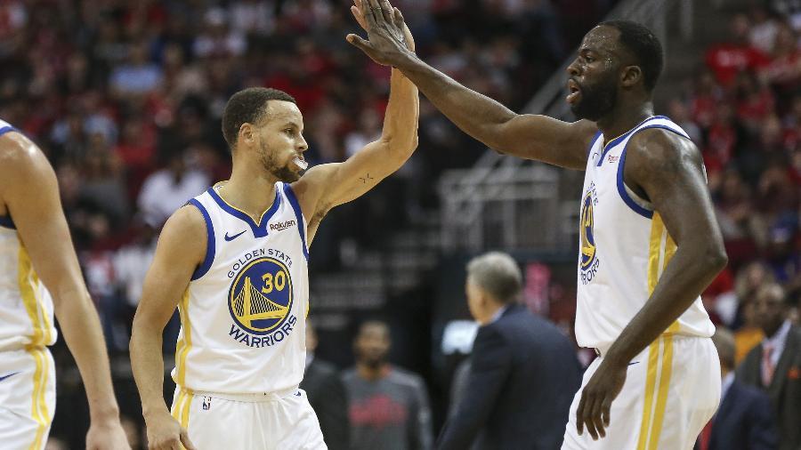 Stephen Curry e Draymond Green durante vitória do Golden State Warriors sobre Houston Rockets - Troy Taormina-USA TODAY Sports