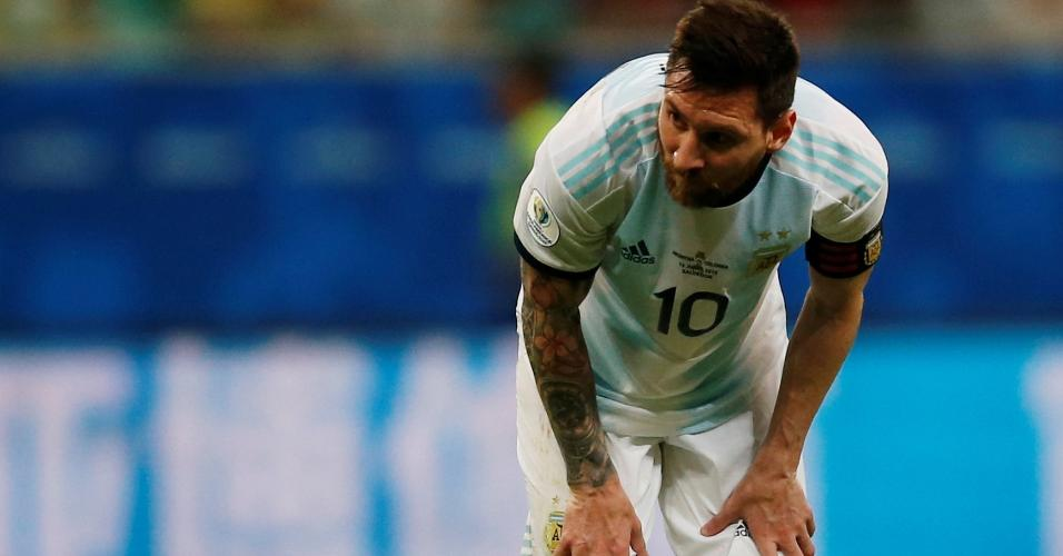 Messi, durante partida entre Argentina e Colômbia