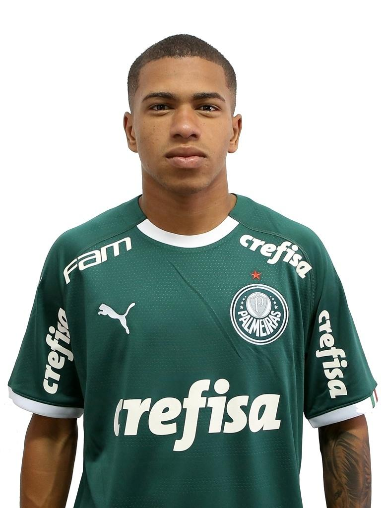 Palmeiras Anuncia Renovacoes De Contrato De Lucas Esteves E Alan 18 03 2020 Uol Esporte