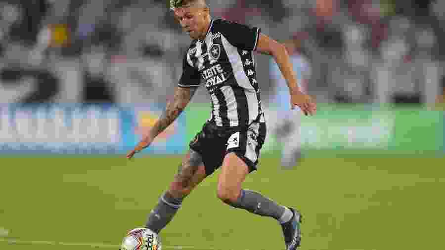 Bruno Nazario, do Botafogo, durante partida contra o Macaé - Thiago Ribeiro/AGIF