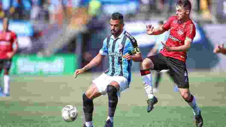 Maicon prepara domínio durante jogo Brasil-PEL x Grêmio, pelo Campeonato Gaúcho - Lucas Uebel/Grêmio FBPA - Lucas Uebel/Grêmio FBPA