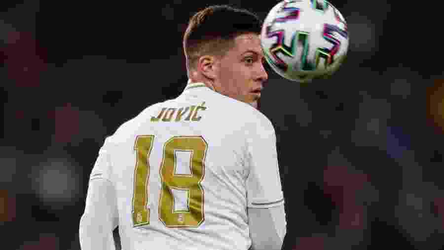 Luka Jovic viajou à Sérvia após a derrota do Real Madrid para o Shakhtar Donetsk - DeFodi Images/Getty Images