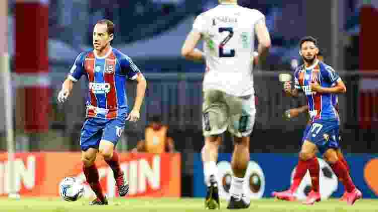 Rodriguinho carrega a bola durante sua estreia pelo Bahia, em jogo contra o Confiança-SE, pela Copa do Nordeste - Felipe Oliveira / EC Bahia - Felipe Oliveira / EC Bahia