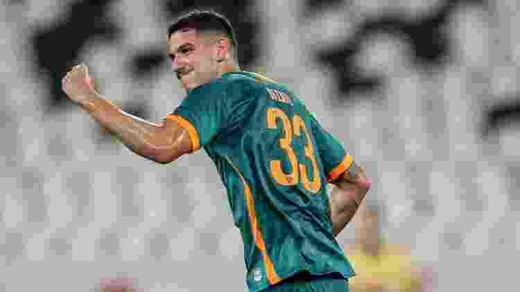 Nino deu a volta por cima e balançou as redes na goleada sobre o Coritiba - Lucas Mercon/Fluminense FC - Lucas Mercon/Fluminense FC