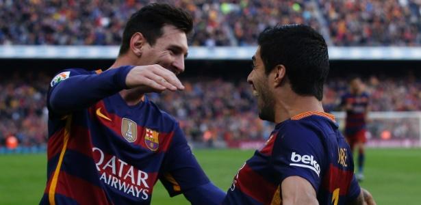 Messi, Suárez e Rakitic negociam para renovar com o Barcelona - ALBERT GEA/REUTERS