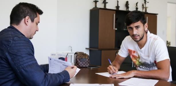 Camacho foi revelado pelo Flamengo em 2009, sob o comando do palmeirense Cuca - Daniel Augusto Jr/Agência Corinthians