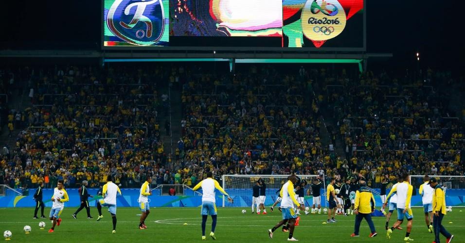 Visão geral da Arena Corinthians no aquecimento da equipe brasileira antes da partida contra a Colômbia