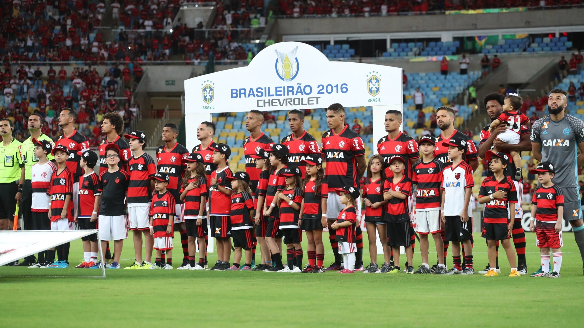 O time do Flamengo antes do empate com o Coritiba e o fim do 'cheirinho de hepta'