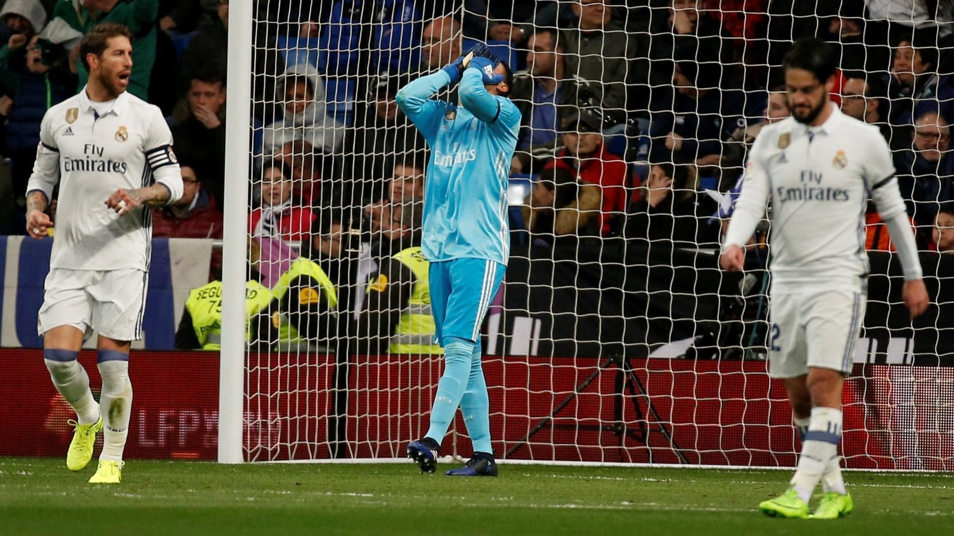 No Campeonato Espanhol, Keylor Navas lamenta gol do Betis