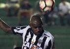 Lesionados, zagueiro e lateral desfalcam o Atlético-MG contra a Chape - AFP PHOTO / AIZAR RALDES
