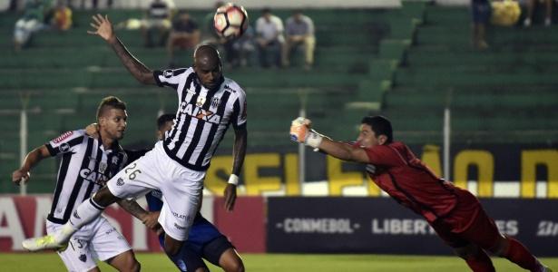 Felipe Santana se lesiona e desfalca o Atlético-MG contra a Chapecoense