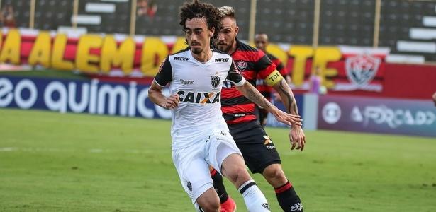 Valdívia vai ser titular do Atlético-MG pela terceira vez, no confronto com o Atlético-PR
