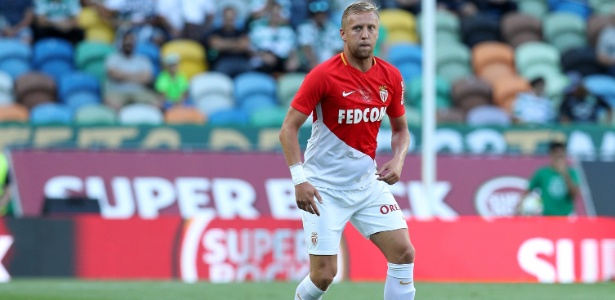 Kamil Glik, do Monaco, em ação em amistoso de pré-temporada contra o Sporting