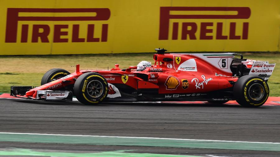 Sebastian Vettel pilota seu carro no GP do México - Ronaldo Schemidt/AFP
