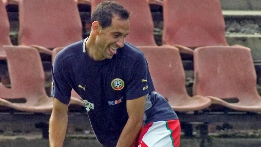 Martin Petrov em ação em treino da Bulgária em 2006 - Vassil Donev/EFE