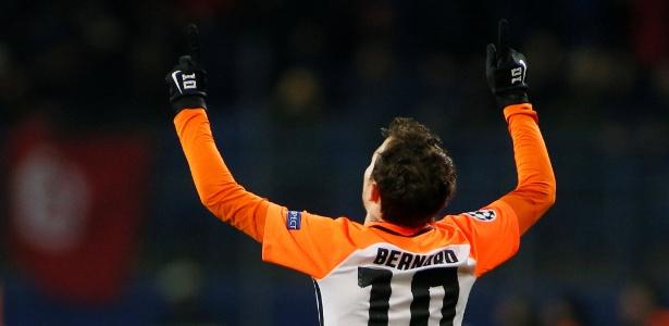 Bernard comemora gol marcado para o Shakhtar; atacante ainda não tem clube - REUTERS/Valentyn Ogirenko