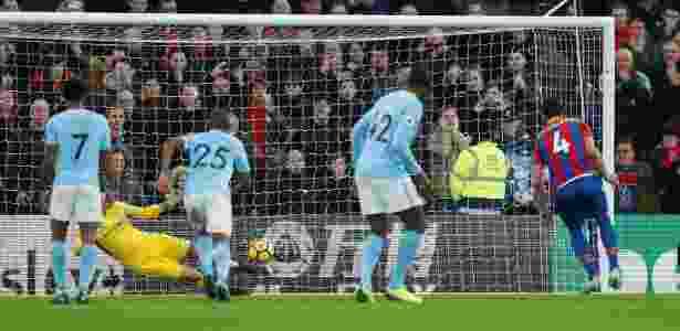 Ederson defende pênalti contra o Crystal Palace - Reuters/John Sibley - Reuters/John Sibley