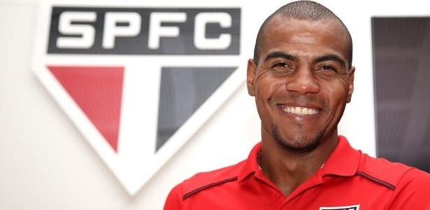 O lateral direito Régis, de 28 anos, deu os primeiros passos na carreira no time do Legião, em Brasília
