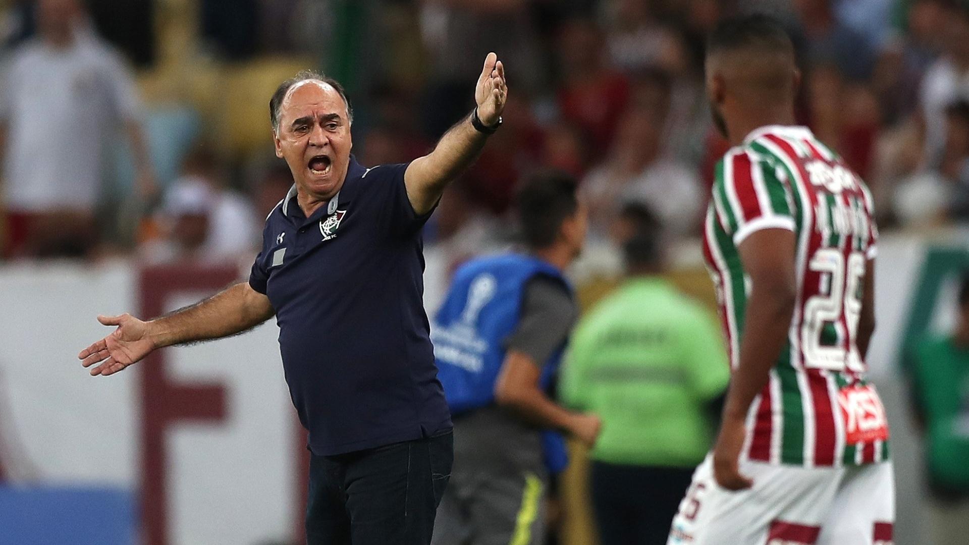 O técnico Marcelo Oliveira durante o jogo entre Fluminense e Deportivo Cuenca