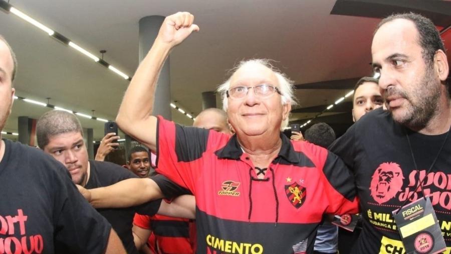 Milton Bivar renunciou ao cargo de presidente do Sport, que ficou sem representante na reunião - Williams Aguiar/Sport Club do Recife