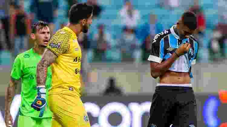 Jean Pyerre cobrou pênalti que parou em Marcelo Carné, goleiro do Juventude - Jeferson Guareze/AGIF