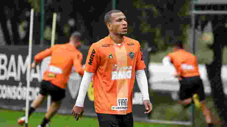 Rómulo Otero, meia-atacante do Atlético-MG, deve entrar na vaga de Yimmi Chará contra o Vasco - Bruno Cantini/Divulgação/Atlético-MG