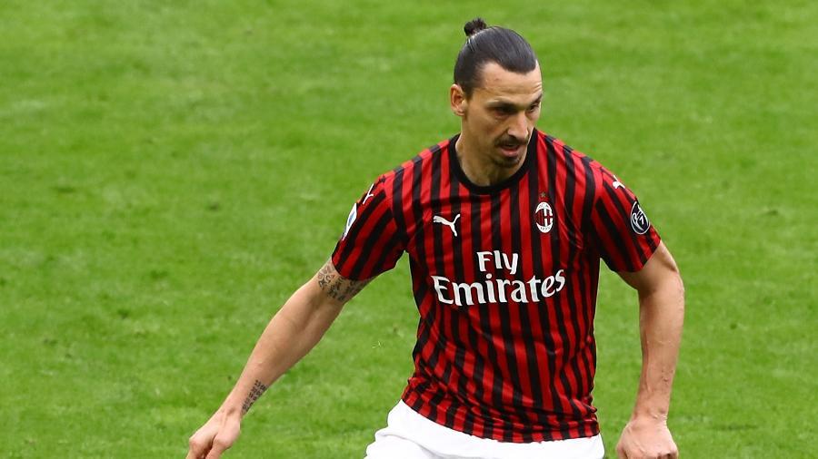 Ibrahimovic em partida pelo Milan - Marco Luzzani/Getty Images