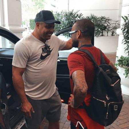Daniel Alves postou encontro com Ronaldo Fenômeno para homenagear 44 anos do ídolo - Reprodução/Instagram/@danialves