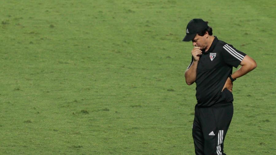 Fernando Diniz, durante a partida entre São Paulo e Grêmio - Marcello Zambrana/AGIF