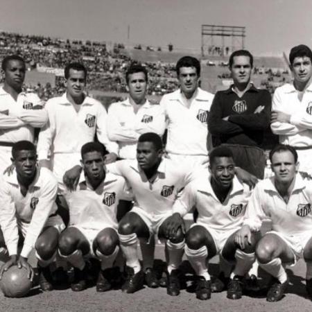 O Santos bicampeão da Libertadores com Pelé foi surpreendido pelo São Bento no Paulista - Reprodução