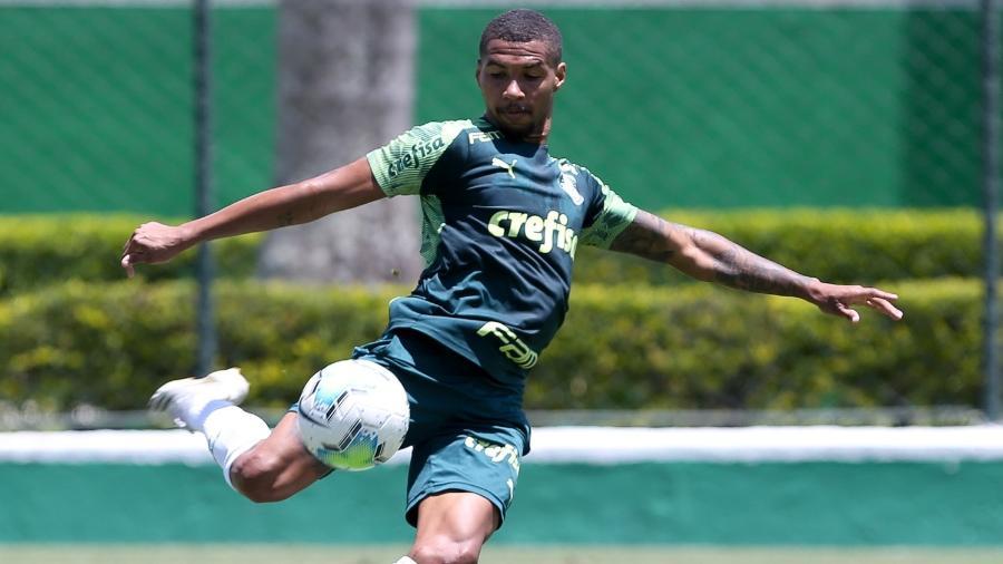 Wesley, jogador do Palmeiras, participa de treino na Academia de Futebol - Fabio Menotti/Palmeiras