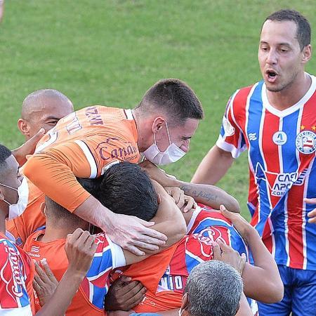 Jogadores do Bahia comemoram gol de Patrick de Lucca, contra o Sport, em partida válida pela Copa do Nordeste  - Walmir Cirne/AGIF