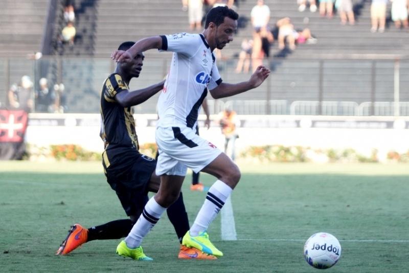 Nenê marcou um gol e depois perdeu um pênalti no empate contra o Volta Redonda