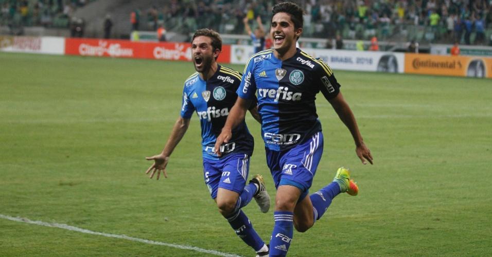 Thiago Martins comemora gol marcado pelo Palmeiras contra o Grêmio